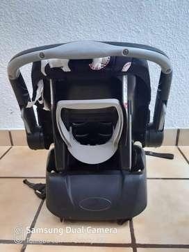 Coche + silla de carro bebé niña (usado)
