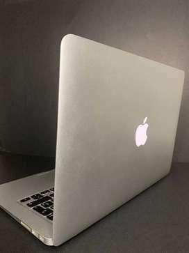 Vendo MAC Book Air (13) |1.5 GHZ y 8 GB RAM DD3, modelo 2015