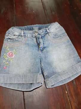 SHORT ninas talle 9/10 bordado