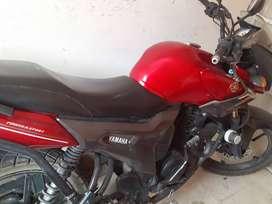 Vendo moto yamaha modelo fz16r