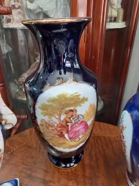 Florero en porcelana