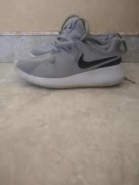 Vendo Tenis Nike Niño