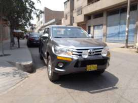 TOYOT HILUX SRV 2017