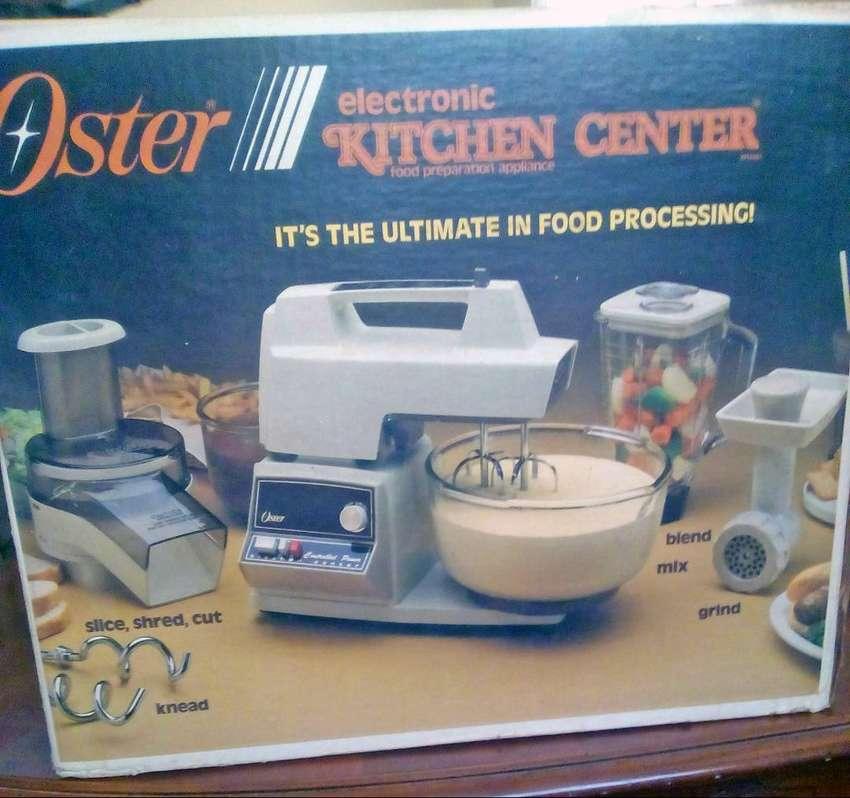 Procesador de alimentos modelo retro vintage Kitchen Center marca Oster hecha en USA 0