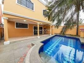 Alquiler de casa semi amoblada con piscina en Samborondon - Conjunto Residencial