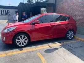 Vendo mi auto Hyundai Accent Hatchback polarizado 2014