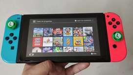 Se venden Nintendo Switch Neón Programada con MicroSD de 128Gb