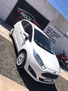 Vendo o Permuto Ford fiesta SE kinetic