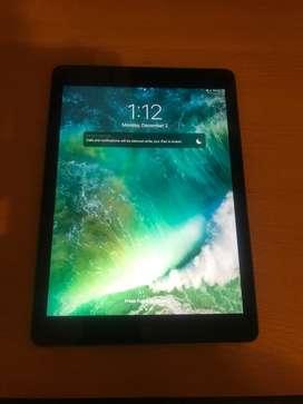 iPad Apple 9.7 128gb 5ta Generación Wi-fi A1822 Y Funda