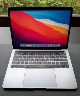 MacBook Pro Touch Bar 13 2018 i5 8GB Ram 256GB SSD