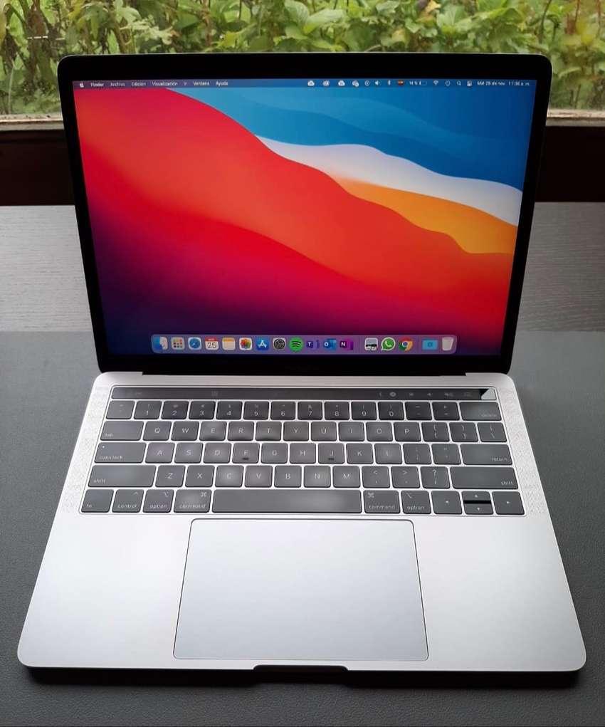 MacBook Pro Touch Bar 13 2018 i5 8GB Ram 256GB SSD 0