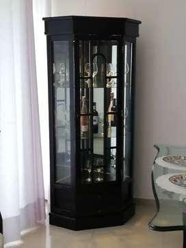 vitrina esquinera en madera color wengue
