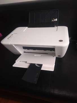 Si vende impresora deskjet HP 1515
