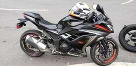 Hermosa Kawasaki Ninja 300 en excelentes condiciones