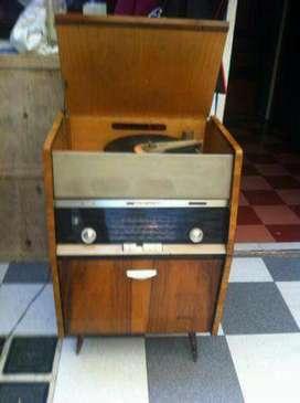Radiola Philips 58 años