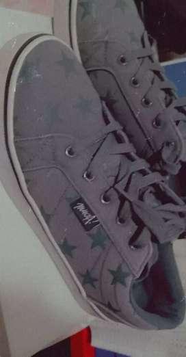 Vendo calzado usado nro 39