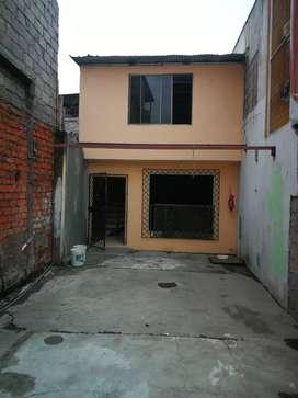 Casa de 2 pisos cerca de muelle a jambeli