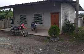VENDO CASA con ESCRITURA ubicación Esquinera y Centrica calle asfaltada