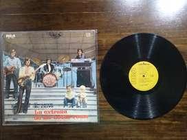 "Vinilo La Joven Guardia ""La Extraña de las Botas Rosas""   Ideal coleccionistas.   Disco: VG+  Tapa: VG+  Año: 1971 Sello"