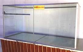 Caramelera vitrina para kiosko almacen drugstore tipo pecera de vidrio con perfiles de aluminio en Charata Chaco