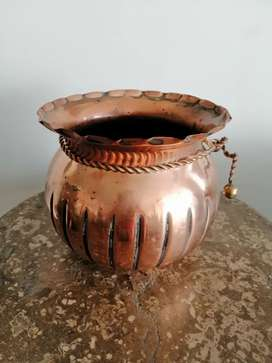 Olla en cobre antigua