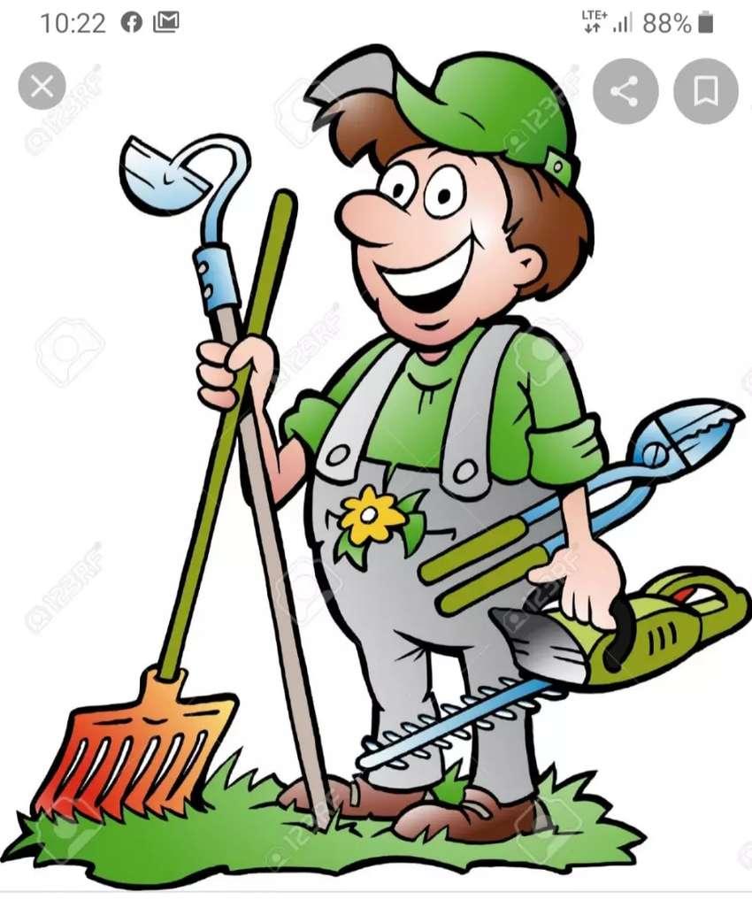 Se necesita ayudante de jardinero zona gllen 0