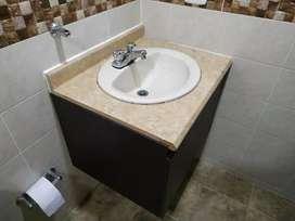 Mueble para baño y sanitario color beige