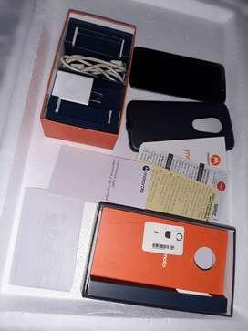 Celular Moto E5.