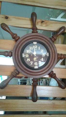 Vendo Hermoso Reloj de Algarrobo