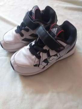 Oferta todos estos Zapatos de niño en buen estado