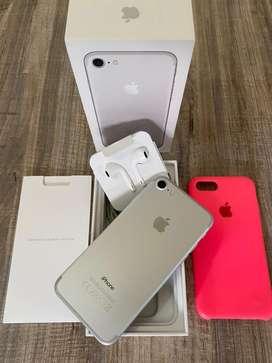 iPhone 7 32 Gb Silver igual a nuevo con todo