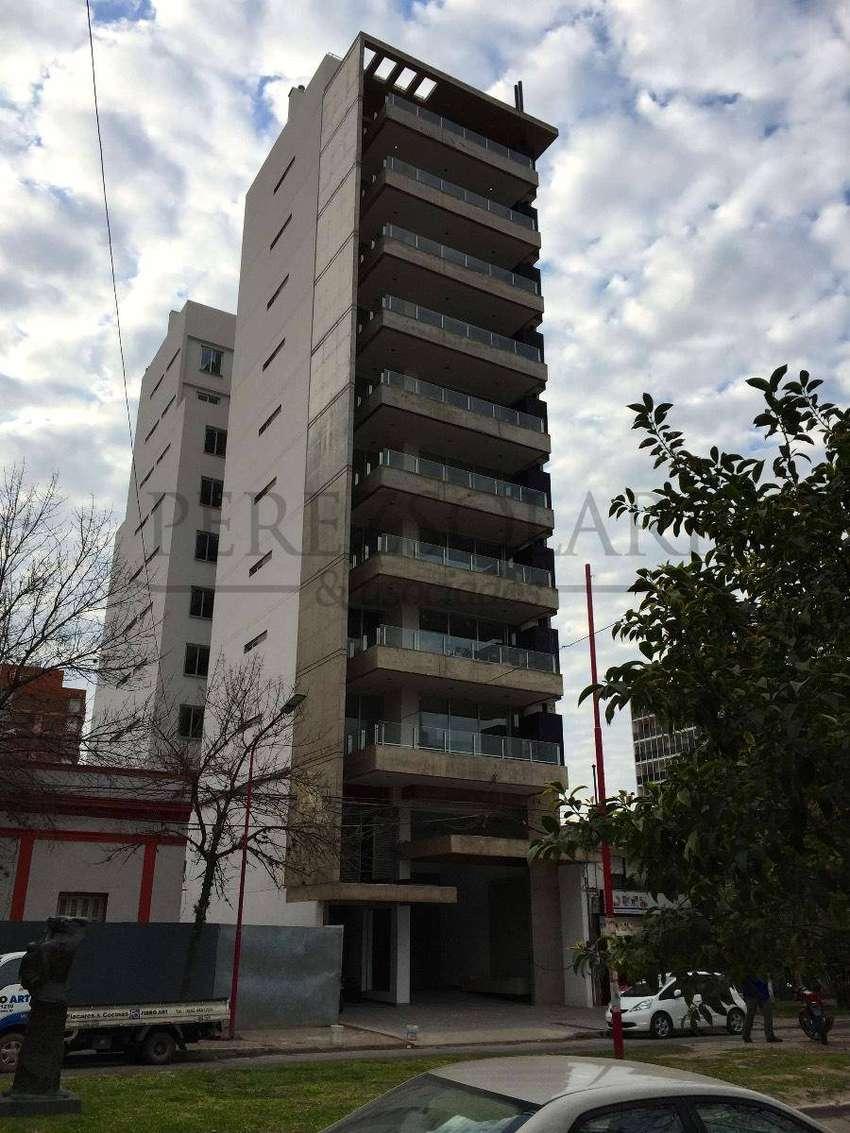 Alquilo exclusivo departamento en Av.Sarmiento 259 0