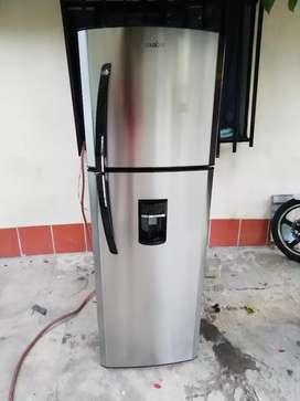 Nevera mabe no frost 250 litros con dispensador de agua