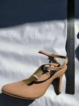 zapato semi nuevo