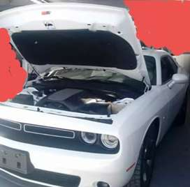 Vendo Muscle Car Red Cat Cahllenger RT
