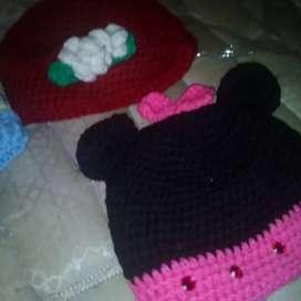 Escarpines y sandalias de bebé a crochet