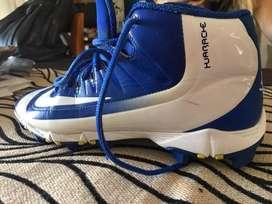 Vendo Spikes Nike uk6