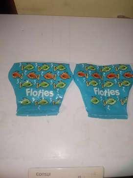 Dos brazaletes inflables para piletas