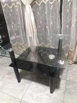 Hermosa mesa de centro en vidrio templado