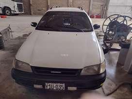 Toyota Caldina. Año 1998.transmicion mecánica .disel