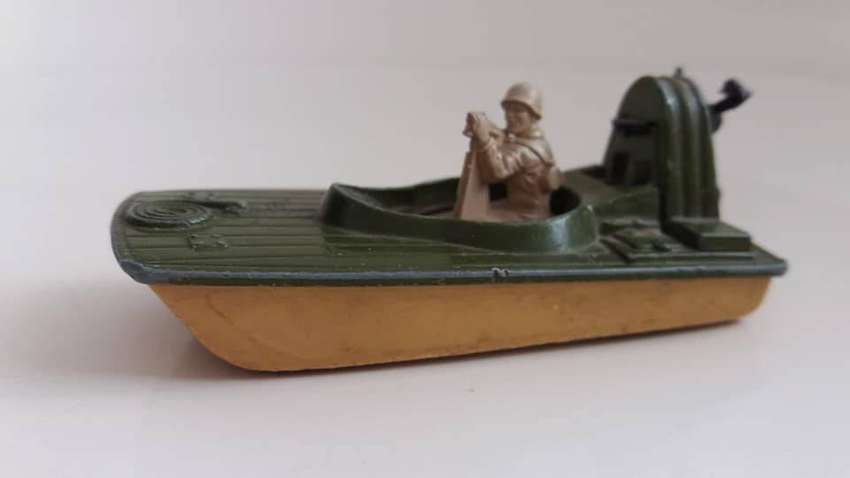 LANCHA MILITAR MATCHBOX SUPERFAST #30 SWAMP RAT AÑO 1976 LESNEY PRODUCTS MADE IN ENGLAND