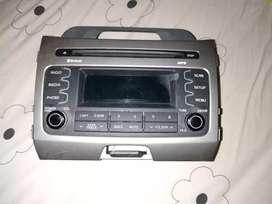 Radio de kia sportage y consola de chevrolet tracker.