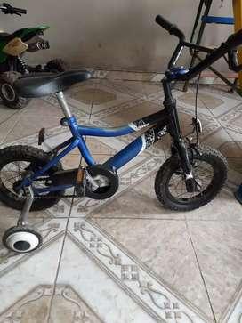 Bicicleta y tobogán