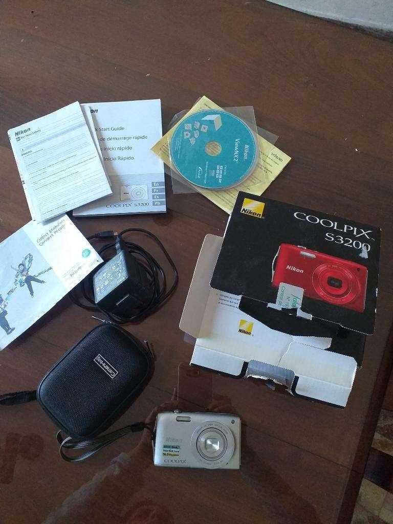 Cámara Nikon Coolpix S3200 0