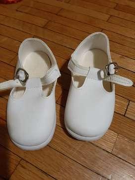 Zapatos para bebé excelentes!!! Sin uso