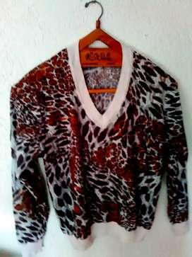 sweater de RAFAEL GAROFALO,  Talle M y mas, buen estado tipo encaje