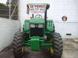 Hermoso tractor para arar o enganchar carga. Modelo 2015 , 3700 horas