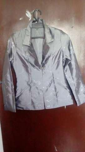 lindos blazer semiusados a 25000