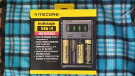 Nitecore NEW i14, cargador de baterias