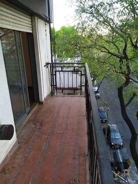 Departamento En Chacarita 3 Amb. Balcón en comodato